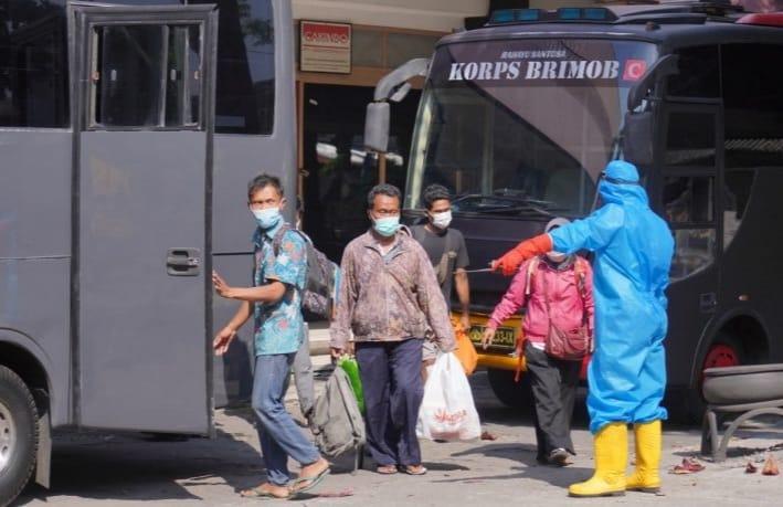 Sebanyak 51 Pasien OTG Klaten Dipindahkan ke Asrama Haji Donohudan