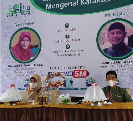 Pakar Konseling dr. Meisil Wulur, Jadi Pembicara Seminar Ponpes Darul Ihsan